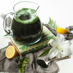 Spirulina has been consumed for centuries due to its nutritional value and health benefits. Check these 16 Spirulina Recipes and include it in your diet! Yummy Smoothies, Smoothie Recipes, Superfood Smoothies, Juice Recipes, Fruit Recipes, Drink Recipes, Sea Weed Recipes, Easy Recipes, Vegan Recipes