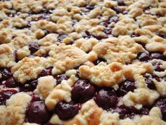 Kirsch-Streusel-Kuchen vom Blech Cherry crumble cake from the tin with canned sour cherries always tastes good, can be prepared well and is very good to take away. Cherry cake with crumbleCherry Crumble Cake auEasy Crumble Cherry Pie Homemade Sweet Potato Pie, Vegan Sweet Potato Pie, Sweet Potato Muffins, Sweet Potato Pecan, Brown Sugar Sweet Potatoes, Cherry Crumble, Easy Pie Recipes, Gateaux Cake, Homemade Cakes