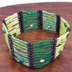Green Flashy Beaded Stretch Bracelet (India)   Overstock.com