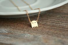 Gold-Kette mit Geist als Anhänger, perfekt für Halloween / golden necklace with ghost pendant, for halloween by Sannelli via DaWanda.com