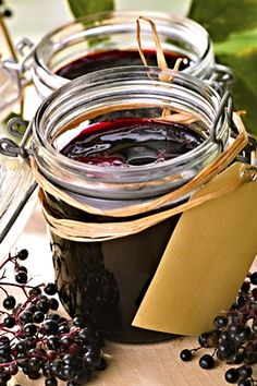 The elderberry is a native ingredient which comes into season late summer. This pickling process will preserve the fruit, giving it much more versatility. Elderberry Recipes, Elderberry Syrup, Home Canning, Sous Vide, Alternative Health, Marmalade, Natural Medicine, Preserves, Recipes