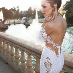 @Regrann from @dimitriusdalia -  Dimitrius Dalia haute couture 2016! #dimitriusdalia #bridal #wedding #dresses #chic #casamento  #vestidodenoiva  #barcelona #alexlipkin #noivinhas  #hautecouture #wedding  #marriage #newcollection #gelin #gelinlik #bridetobe #perfect ! #Regrann #dubaiwedding #balibride #dreamdress #dreamwedding #realbride #veil #duvak #noivinha #noi #noiva by weddings_brides
