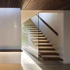 #Staircase | House El Bosque design by Ramon Esteve Estudio. @ramon_esteve #Valencia #Spain ///  #Escalera Interior | Casa El Bosque diseño por Ramon Esteve Estudio.  Info: www.dsigners.net