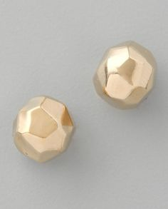 Use gold clay to make these faceted earrings.