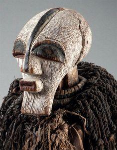 Statuette-songye-masque-kifwebe
