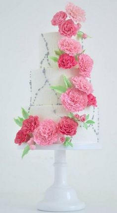 Wedding cake idea via T Bakes / http://www.himisspuff.com/200-most-beautiful-wedding-cakes-for-your-wedding/2/