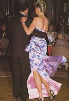 """January 27, 1988: Prince Charles & Princess Dianadancing to """"Dance in Oz"""" at a Bicentennial dinner and dance in Melbourne, Australia. (Day 3)."""