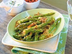 Grüner Spargel - Rezept-Ideen mit Saisongemüse - gebackener-spargel-parmesan  Rezept
