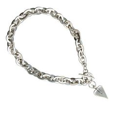 Introducing the New Statement necklace from Danon Jewellery, this truly spectacular Danon Jewellery Chunky Silver Signature Heart Necklace will make the most amazing gift. Very chunky in style, it features Danon's silver signature heart charm at the end of the lustrous oversized link chain necklace.