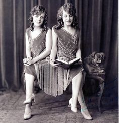 The Original Hilton Sisters - before Paris and Niki graced the tabloid headlines, it was the siamese sisters of Vaudeville – Daisy and Violet Hilton – who were the talk of the town.