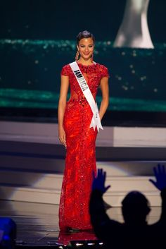 Miss Jamaica 2014 Evening Gown: HIT or MISS | http://thepageantplanet.com/miss-jamaica-2014-evening-gown/