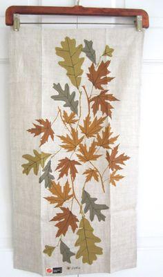 Vintage VERA Towel Golden Maple Oak Leaves MWT by NeatoKeen, $42.00