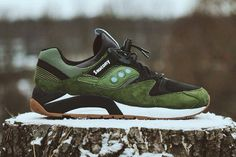 Army green Saucony