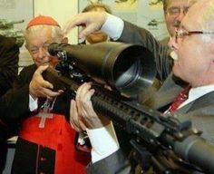 vaticano-armas, what did the current pope say about christians and guns...