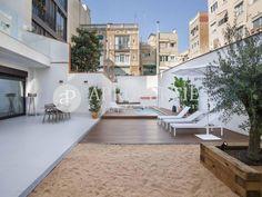3 room luxury Apartment for sale in Barcelona, Spain - 66039765 Apartments For Sale, Luxury Apartments, Luxury Homes, Modern Kitchen Design, Modern Design, Penthouse For Sale, Barcelona City, Garden Landscape Design, Pent House