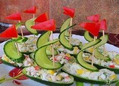 Viking party/baby shower food idea: cucumber (or pickle) ship hors d'oeuvres! Food Design, Design Ideas, Cute Food, Good Food, Awesome Food, Fruits And Veggies, Vegetables, Food Carving, Food Garnishes