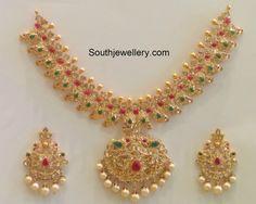 mango_pacchi_necklace