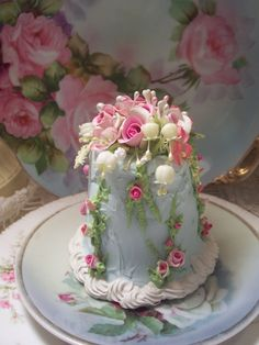 (skyb) SHABBY COTTAGE PINK ROSE DECORATED FAKE CAKE CHARMING!!