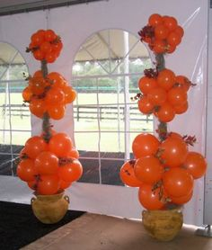 Large Balloon Topiary: Might be cute in totally different colors and pots with some pretty greenery or tulle combined Balloon Topiary, Balloon Pillars, Balloon Arch, Topiary Trees, Party Decoration, Balloon Decorations, Fiesta Decorations, Balloon Ideas, Large Balloons