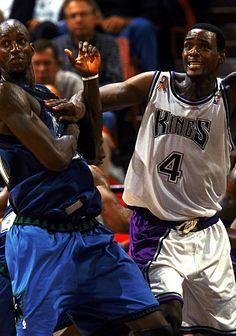 Kevin Garnett vs Chris Webber Basketball Pictures, Sports Pictures, Chris Webber, Power Forward, Kevin Garnett, Hoop Dreams, Minnesota Timberwolves, Sacramento Kings, Video News