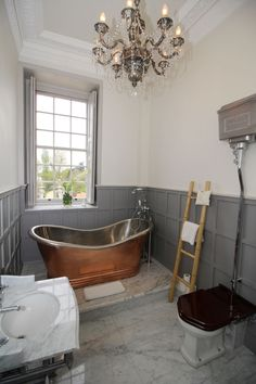 Bathroom in Byfleet Manor, the Dowager Countess' House from Downton Abbey