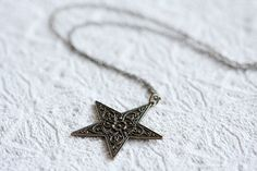 Star Necklace Floral Star Pendant Necklace Antiqued by SilentRoses Long Chain Necklace, Star Necklace, Arrow Necklace, Pendant Necklace, Star Jewelry, Jewelry Art, Floral Necklace, Star Pendant, Brass Chain
