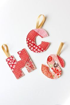 Make Christmas Personal with these Initial Homemade Ornaments Fabric Christmas Decorations, Vintage Christmas Crafts, Quilted Christmas Ornaments, Christmas Sewing Projects, Fabric Ornaments, Christmas Gifts, Christmas Ideas, Christmas Letters, Christmas Fabric Crafts