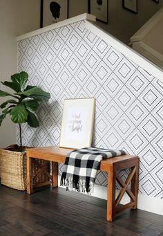 Con estas ideas para resaltar una pared con papel pintado podrás ver distintas opciones para estudiar esta sencilla y provechosa técnica decorativa.