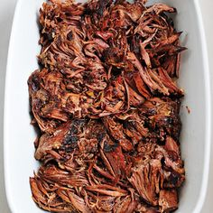 Balsamic Roast Beef Recipe -  Ingredients 1	3-4 pound boneless roast beef (chuck or round roast) 1	cup beef broth ½	cup balsamic vinegar 1	tablespoon Worcestershire sauce 1	tablespoon soy sauce 1	tablespoon honey ½	teaspoon red pepper flakes 4	cloves garlic, chopped