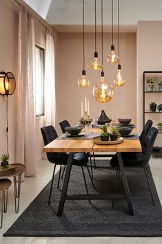 Comfortable chairs, soft lighting, the perfect recipe for a wonderful dinner. 🍷 Discover our new furniture collection in our webshop or in our store. Home Living Room, Living Room Decor, Dining Room Inspiration, Dining Room Design, Dining Room Furniture, Home Interior Design, House Design, Home Decor, Aesthetic Grunge