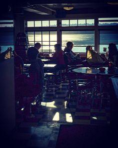 Sun and Sea. #streetstyle #streetphotographer #streettogs #streetphotography #streethunters #photography #photographyislife #everybodystreet #seattle #washington #pikesplacemarket #nyc #nycspc