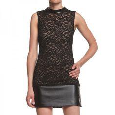 Il colore elegante per eccellenza è il nero, che accostato ad un raffinato color carne lucido, da vita ad un abbinamento degno degli outfit reali.