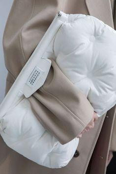 c42539ee8b2 Ladies fashion bag. For many women