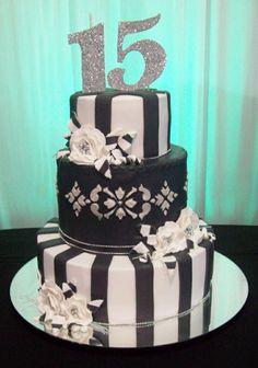 Nuevas Tendencias en Decoración de Tortas: Tortas para Cumpleaños de 15 en Blanco y Negro. Quinceanera Planning, Paris Cakes, Beautiful Birthday Cakes, Gold Birthday Party, Sugar Cake, Pink Parties, Fondant Cakes, Cake Decorating, Chocolate