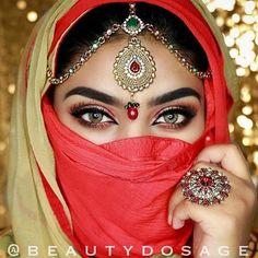 Freshtone premium hazel Comes with free case Makeup Beautiful Hijab, Beautiful Eyes, Pretty Eyes, Cool Eyes, Arab Women, Muslim Women, Arabic Eyes, Indian Eyes, Arabic Makeup