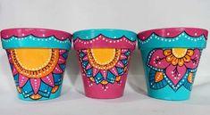 Clay Pot Crafts, Diy And Crafts, Arts And Crafts, Flower Pot Art, Flower Pots, Painted Pots, Terracotta Pots, Clay Pots, Stone Art