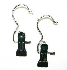 Hochwertiger Klammerbügel aus Metall mit einer Klammer   Hochwertiger Klammerbügel aus Metall mit einer Klammer. Die Klammer ist im unteren Bereich mit Gummi beschichtet, sodass Sie Ihre Kleidung schonend aufhängen können. Der Klammernbügel eignet sich optimal für die erfolgreiche Präsentation von Socken, Krawatten usw. Ties, Products, Metal, Kleding