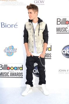 Well Justin i think you've shrank/or is it your pants that have shrank to your knees. Just sayin not disin