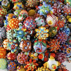 Amazing Glass beads by Jenine Bressner- these colors would be amazing on silk!