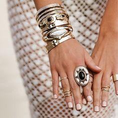 Ladies, tag a friend who would wear this 😍        Instagram @just.fashionchic    #justfashionaccessories #fashion