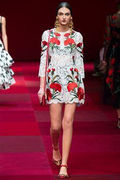Dolce & Gabbana Spring 2015 Ready-to-Wear Fashion Show - Deimante Misiunaite (FASHION)