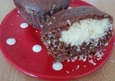 Csokis kókuszos bögrés muffin Muffin, Food And Drink, Pudding, Cake, Custard Pudding, Kuchen, Muffins, Puddings, Cupcakes