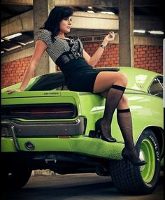 dodge charger classic cars and collectibles Best Muscle Cars, American Muscle Cars, Mopar Girl, 1969 Dodge Charger, Us Cars, Car Girls, Sexy Cars, Cool Cars, Classic Cars