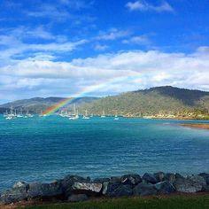 A slice of paradise? Rainbow over Airlie Beach in Queensland Australia. Beautifully captured by traveller @travisv88. #gadv Hotels-live.com via https://instagram.com/p/881waqiqmE/