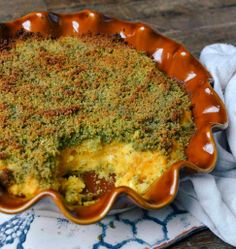 French Recipe: Creamy Butternut Squash Casserole with Herbed Bread Crumbs Recipes from The Kitchn. I did a medium small pumpkin and panko crumbs and it was amazing! Vegetable Sides, Vegetable Recipes, Vegetarian Recipes, Healthy Recipes, Veggie Side, Healthy Dishes, Thanksgiving Recipes, Fall Recipes, Whole Food Recipes