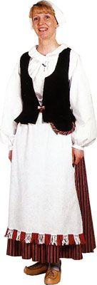 Parikkalan naisen puku ©Helmi Vuorelma Oy