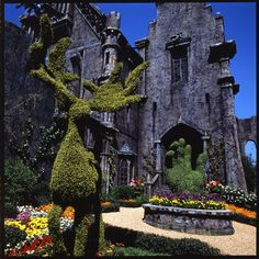 """A shot of the iconic hand sculpture outside Edward's castle.   13 Beautifully Creepy Behind-The-Scenes Photos Of """"Edward Scissorhands"""""""