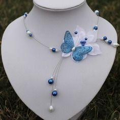 Collier mariée fleur de satin papillon bleu blanc soirée mariage lysandra