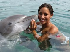 Happiness is....a great big kiss in jamaica  Visit us for vacation rental in Montego bay, Jamaica http://www.tripadvisor.co.uk/VacationRentalReview-g147311-d2039084-Paradise_Palms_Jamaica_Villa-Montego_Bay_Saint_James_Parish_Jamaica.html