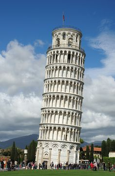 Pisa, Italy   Read travel stories: http://scarletscribs.wordpress.com/